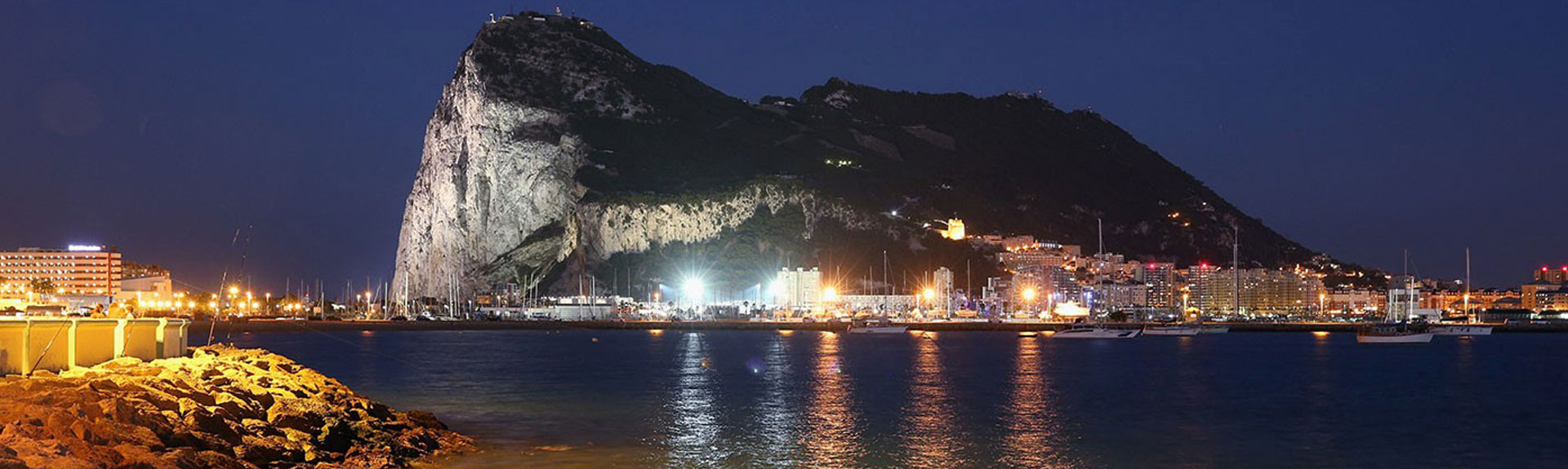 1400-hero-gibraltar-rock-night.imgcache.rev1409669038227.web.1400.720